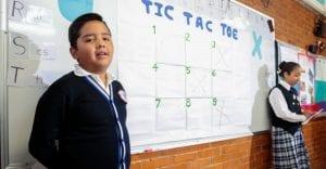 La SEP quiere formar alumnos bilingües, pero solo hay 1 maestro de inglés por cada 5 escuelas